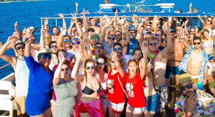 catamaran party salou